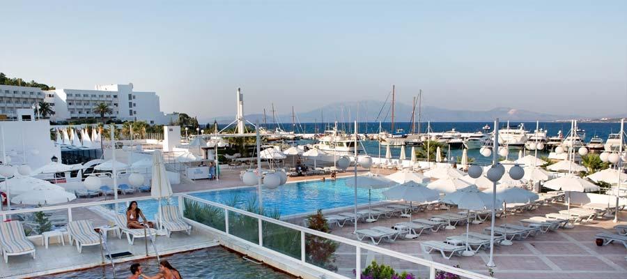 Altın Yunus Resort & Thermal Hotel - Havuz