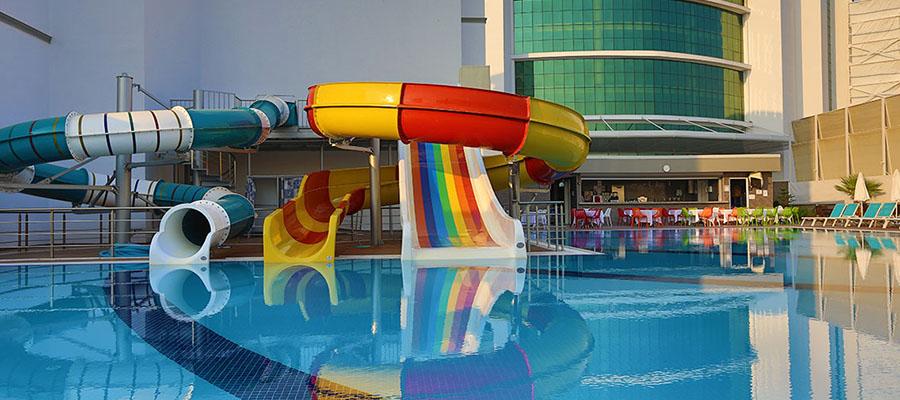 muhafazakar-oteller-elvin-deluxe-bayanlar-havuzu