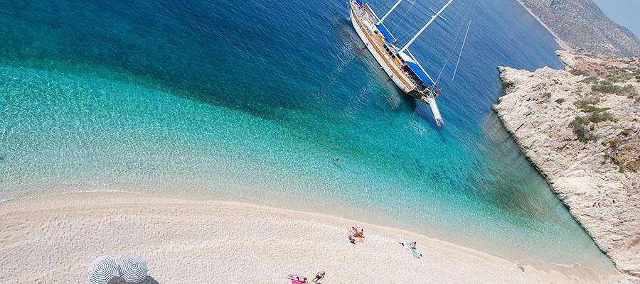 Akdeniz'in En Ünlü Plajları - Kaputaş 1