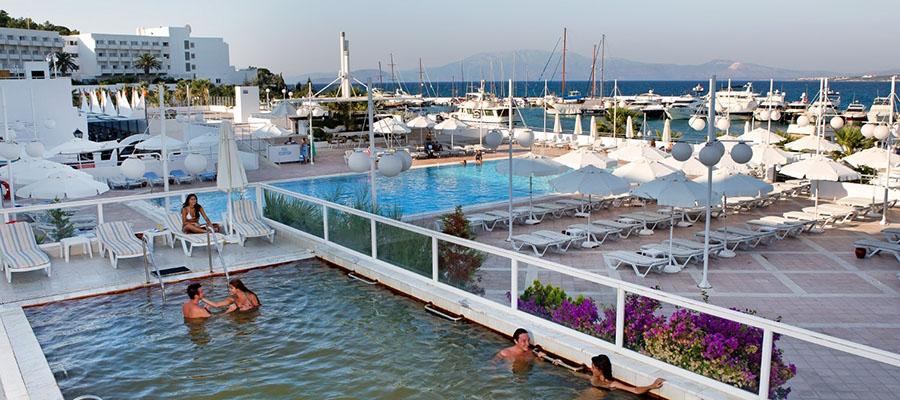 Altın Yunus Resort - Termal Havuz