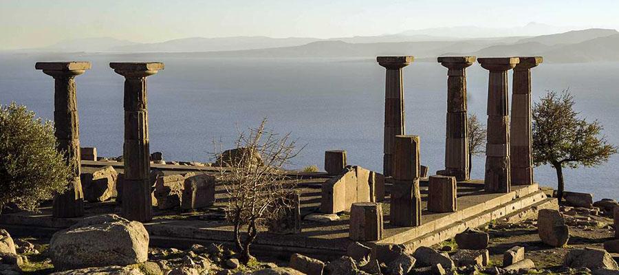 Mavilikler İçinde Bir Sahil Kasabası: Assos - Antik Kent