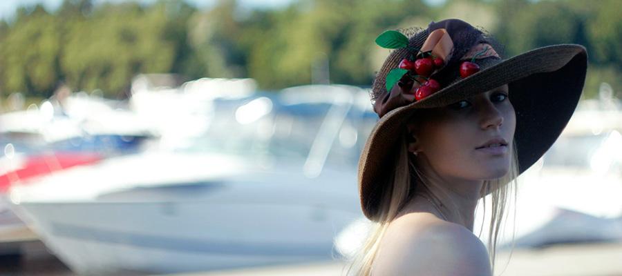 Balayı Tatilinde Alınması Gerekenler - Şapka