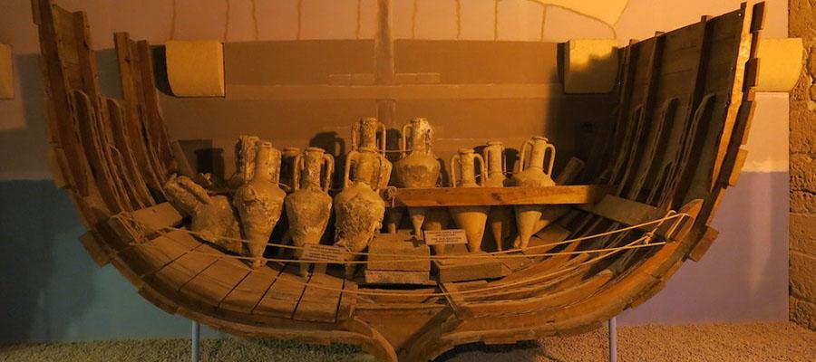 Girne'de Gezilecek Yerler - Batık Gemi Müzesi