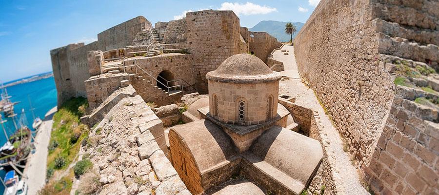 Girne'de Gidilecek Yerler - Kırnı Mezarları