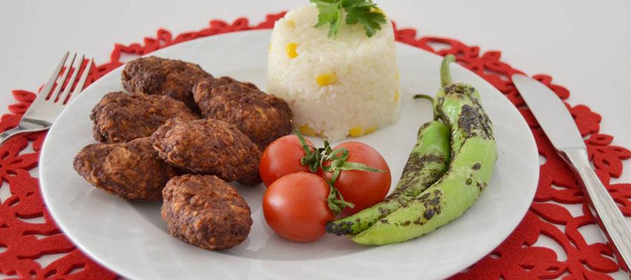 kibris-tatlisi-yemekler-kibris-koftesi-1