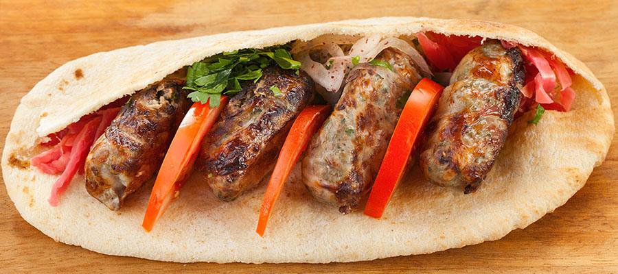 kibris-tatlisi-yemekler-seftali-kebabi-2