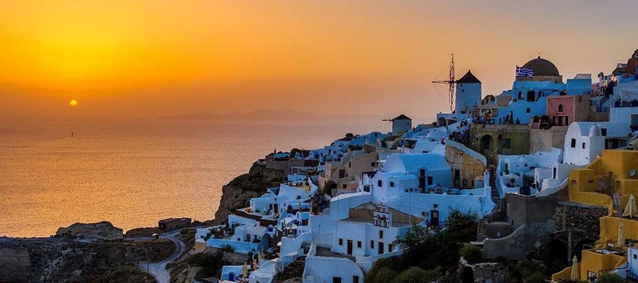 Yurt Dışı Tatiline İlk Kez Çıkacaklara Tavsiyeler - Santorini