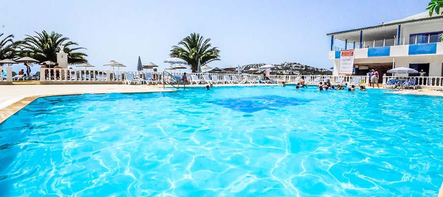 Çocuklu Aileler İçin Türkiye'nin En İyi Otelleri - Club Blue White - Havuz