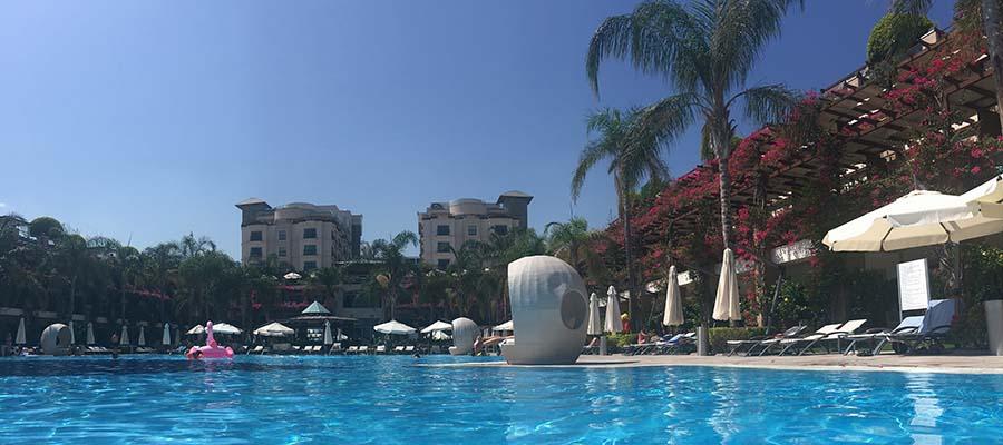 Cratos Hotel Balayı Deneyimi - Havuz İçi