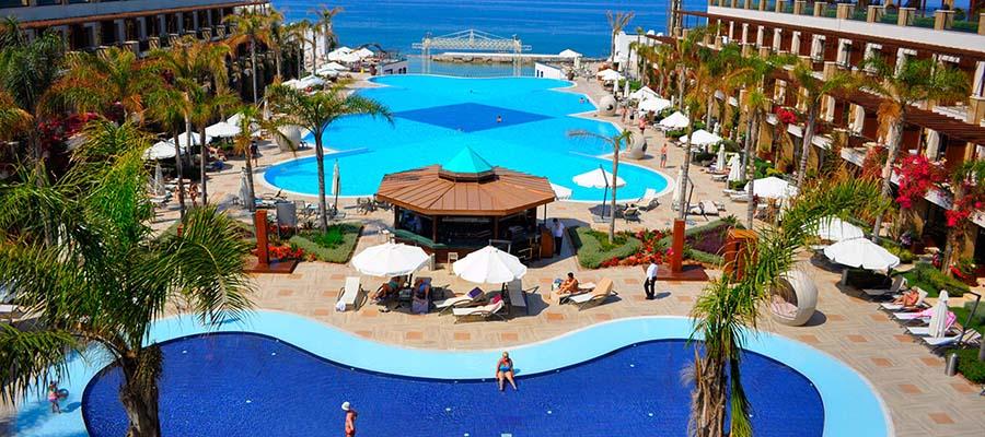 Cratos Hotel Balayı Deneyimi - Havuz