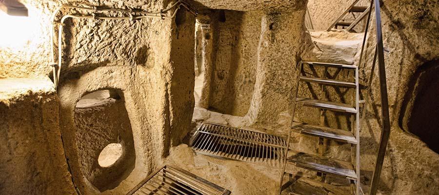 Derinkuyu Yeraltı Şehri - Merdivenler