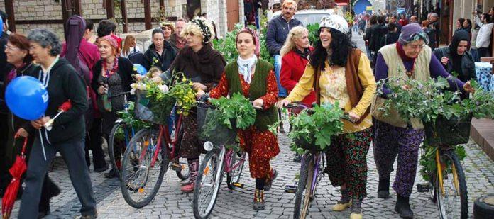 Türkiye'nin En İlginç Festivalleri - Alaçatı Ot Festivali
