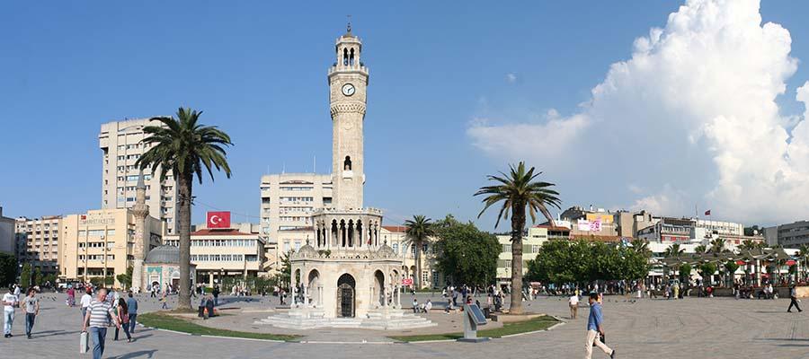 İzmir Gezi Rehberi - Konak Meydanı