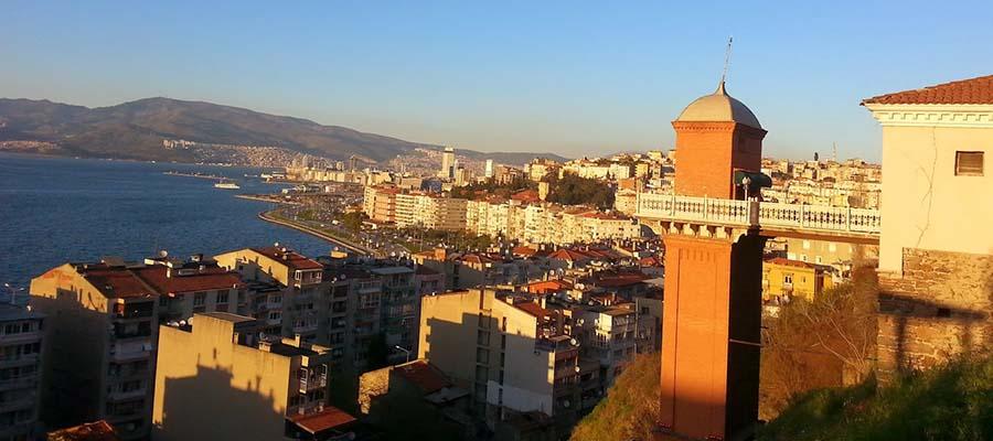 İzmir Gezi Rehberi - Tarihi Asansör