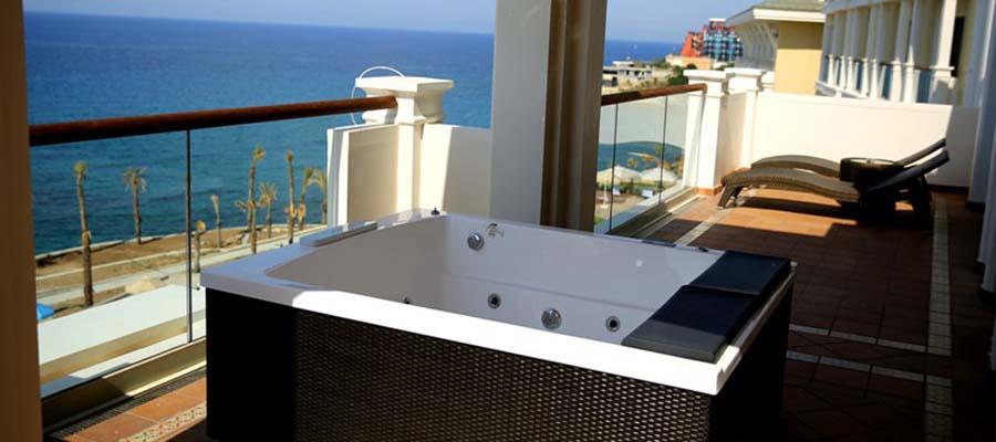 Kıbrıs'ın Jakuzili En İyi 5 Oteli - Merit Royal Premium