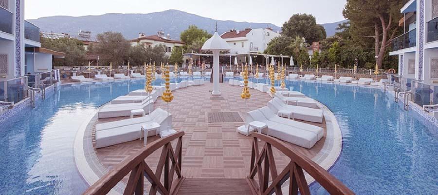 Odadan Havuza Girilebilen En İyi Oteller - Ocean Blue - Havuz