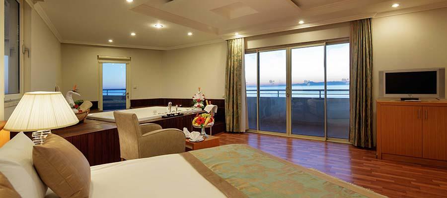 Romantizm Dolu Bir Balayı İçin Jakuzili Oteller - Crystal Admiral Resort - Jakuzi