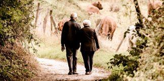92 Yaşında Sevgilisiyle Tatil Yapmak İçin Huzurevinden Kaçtı - Çiftlik