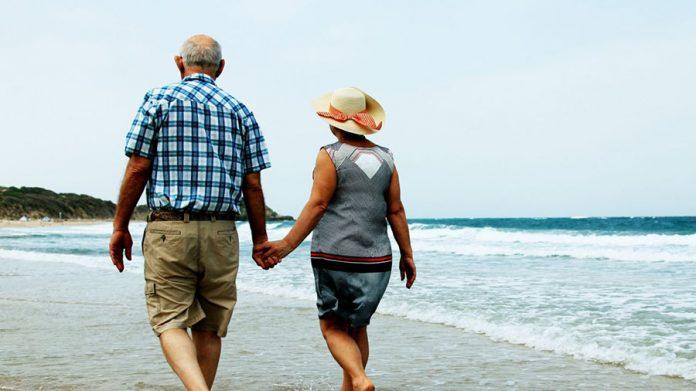 92 Yaşında Sevgilisiyle Tatil Yapmak İçin Huzurevinden Kaçtı - Sahil