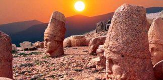 Tanrılar ve Kralların Gizemli Dağı Nemrut - Kapak