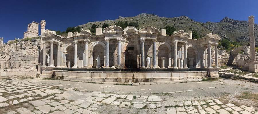 Seferihisar - Agora Tapınağı