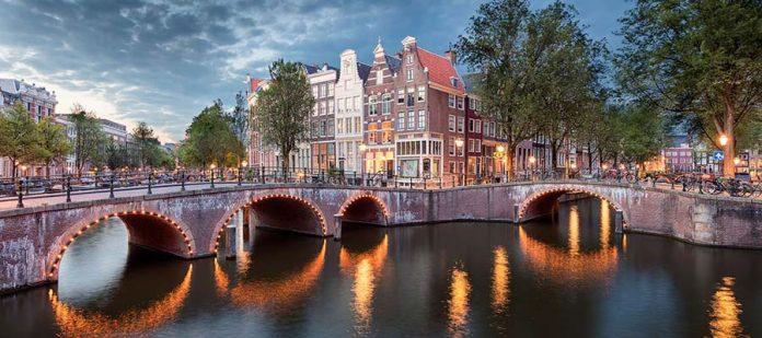 Amsterdam Gezi Rehberi - Köprü
