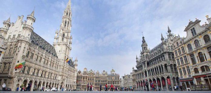 Avrupa'nın Hayranlık Uyandıran Meydanları - Grote Markt
