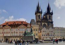 Avrupa'nın Hayranlık Uyandıran Meydanları - Kapak