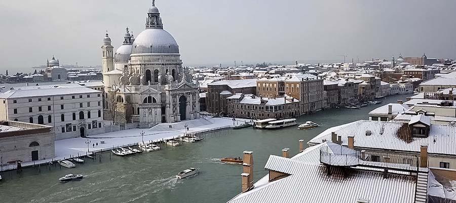 Kanallar Şehri Venedik - Kış Manzarası