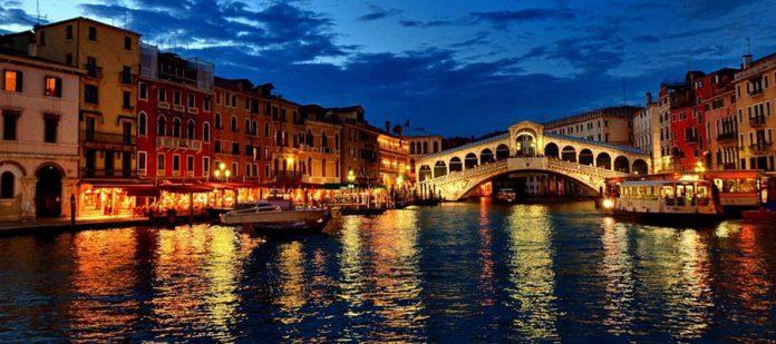 Kanallar Şehri Venedik - Rialto Köprüsü