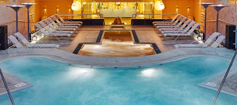Richmond Nua Wellness - Jet Pool