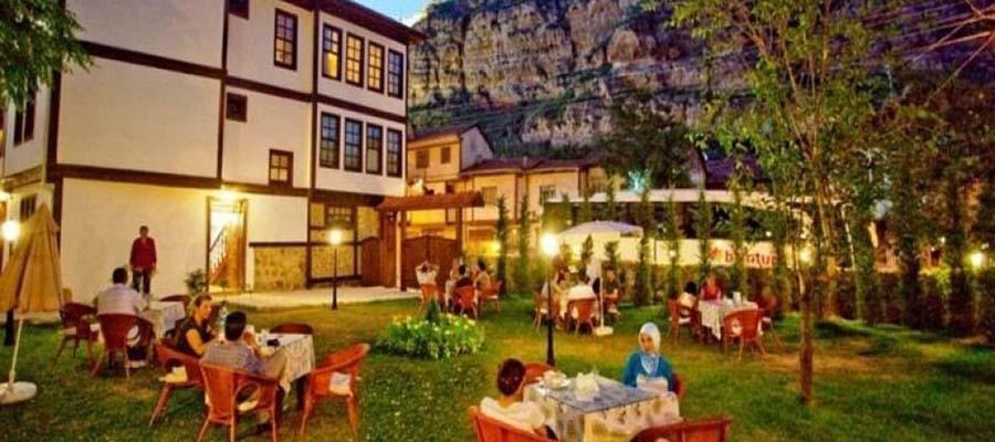 Türkiye'nin Tarihi Otelleri - Uğurlu Konakları - Bahçe