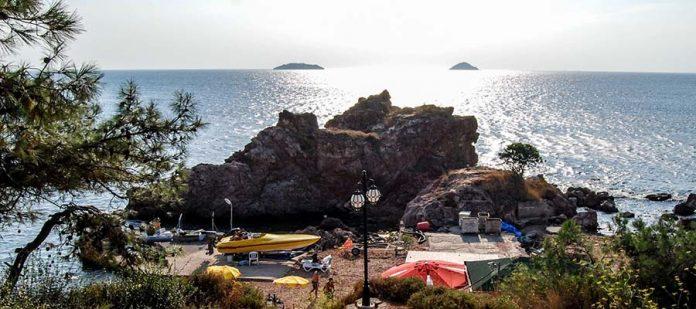 Adalar Gezi Rehberi - Burgazada - Kalpazankaya Plajı