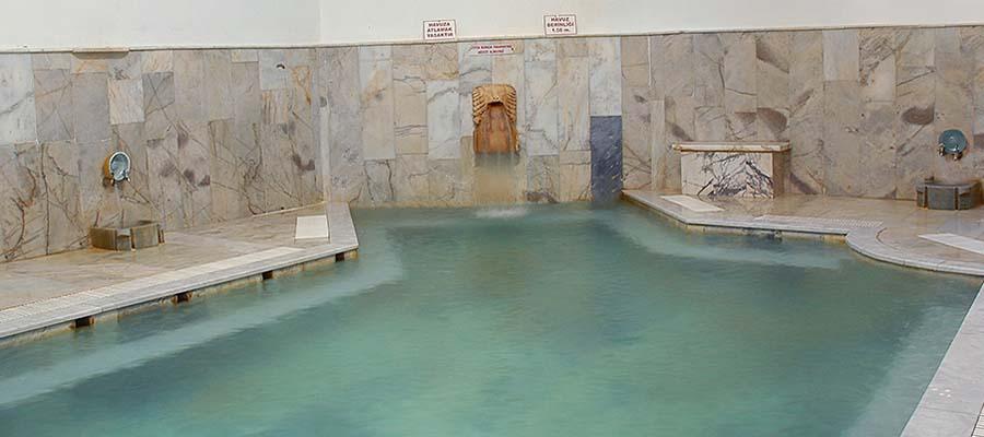 Türkiye'nin En İyi Muhafazakar Termal Otelleri - Emet Termal Otel - Havuz