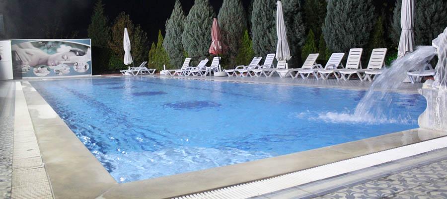 Türkiye'nin En İyi Muhafazakar Termal Otelleri - Nehir Termal Otel - Havuz