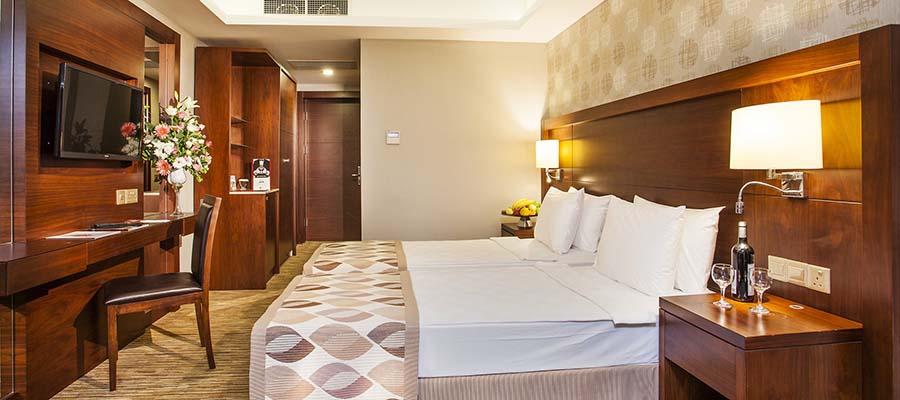 Salamis Bay Conti Resort - Park Oda